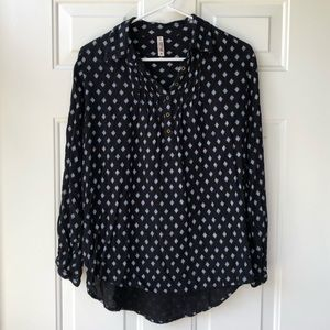 Mudd — Black and White Button Up, M